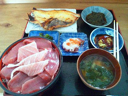 本マグロ定食+赤魚焼き